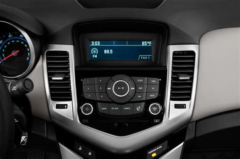 radio interior 2014 chevrolet cruze radio interior photo automotive