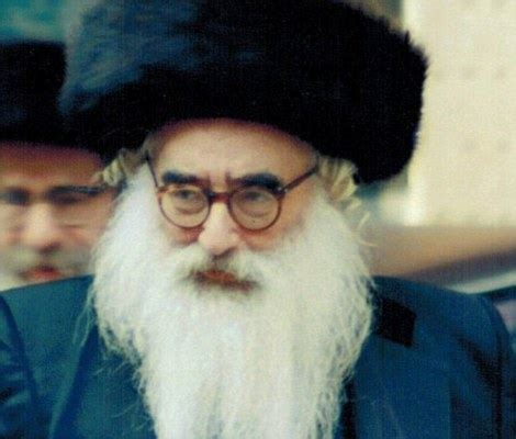 that day the rabbi the day a modern day mordecai died and was buried famed rabbi with hundreds of grandchildren