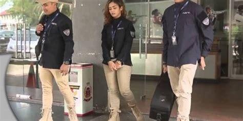 Kemeja Andre Navy celana chino seragam crew net tv braga tailor