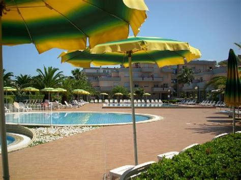 residence club hotel le terrazze grottammare residence le terrazze le piscine