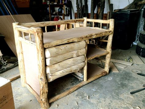 Building A Log Changing Table Using Genuine Alaskan Logs Building A Changing Table