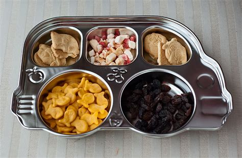 Inno Baby Din Din Smart Stainless Divided Plate din din smart stainless divided platter momresource ca