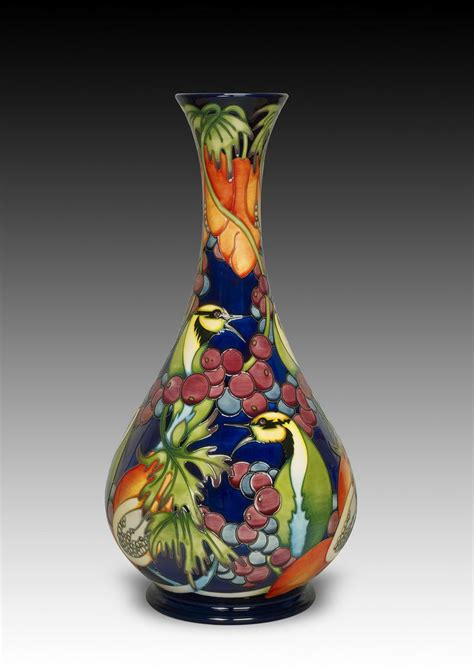 whitefriars glass glass pottery glass floreros jarrones espectaculares bottle glass and bottle