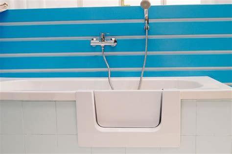 modifica vasca da bagno con sportello trasformazione vasca da bagno per anziani