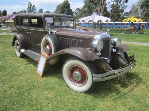 how cars engines work 1926 chrysler imperial lane departure warning file 1932 chrysler imperial ch sedan jpg wikimedia commons