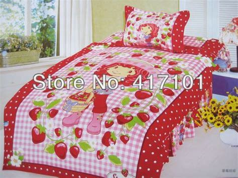 strawberry shortcake comforter 45 best images about strawberry shortcake bedding on