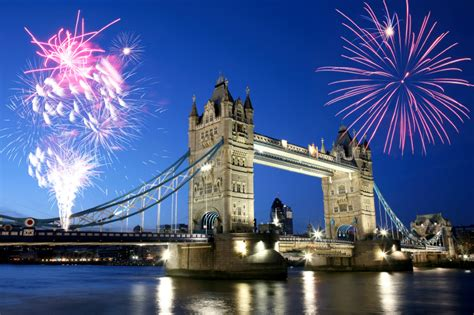 thames river cruise new years eve 2014 thames bonfire night cruise london fireworks 163 49pp