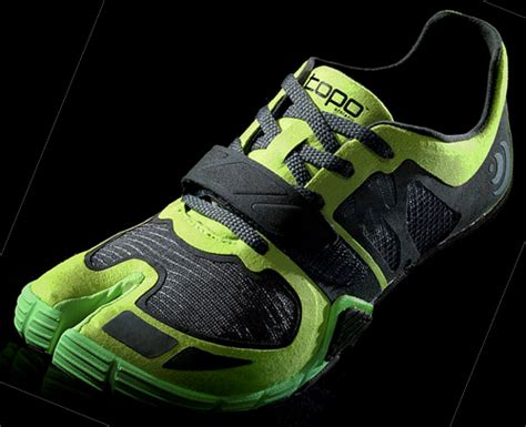 japanese athletic shoes split toe shoe launched by former ceo of vibram