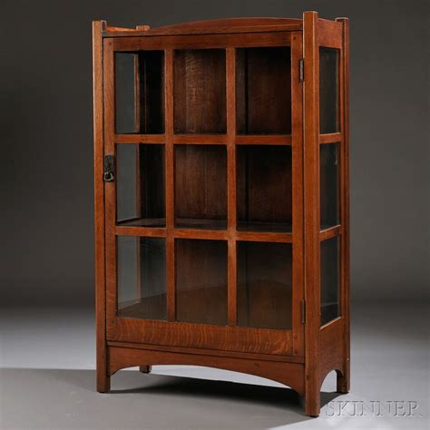 small china cabinet hutch arts crafts china cabinet sale number 2661b lot