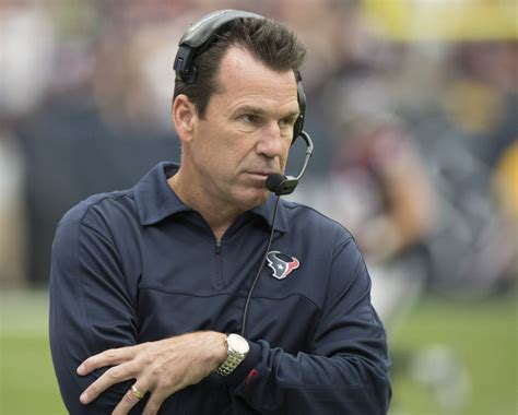 texans couch nfl houston texans coach gary kubiak collapses at