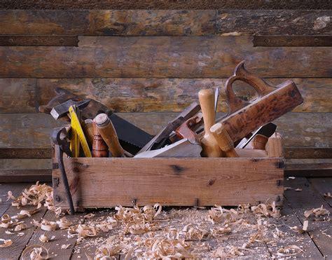 basic carpentry tools woodworking equipment  beginners