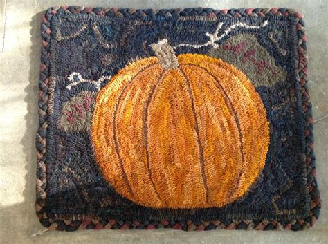 heavens to betsy rug hooking 17 best images about hooked rugs on pull hooked rugs and wool