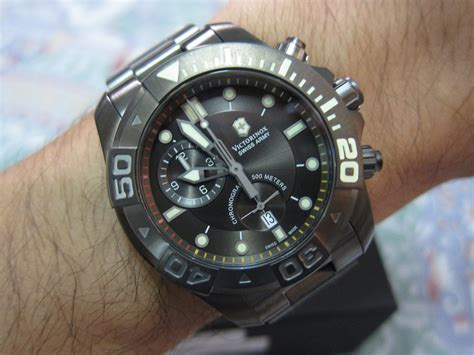 File:Victorinox Swiss Army Men's 241424 Dive Master 500
