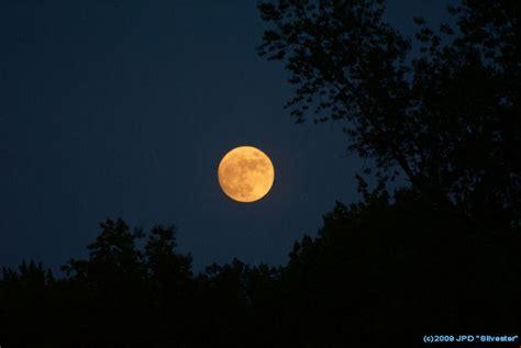 orange quot harvest quot moon
