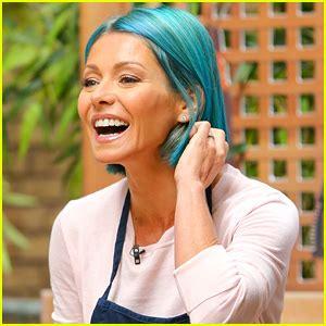 does kelly ripa use highlights or dye her hair 2015 kelly ripa debuts new bright blue hair color kelly ripa