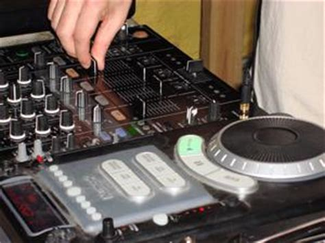 Dj For Wedding Receptions by Dj For Wedding Receptions