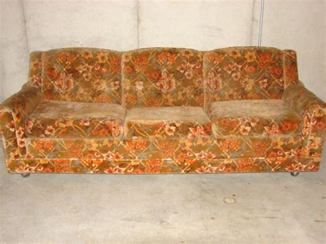 ugliest sofa 2011 world s ugliest contest has begun for the