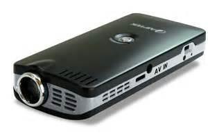Proyektor Mini Aiptek Pocket Cinema Z20 aiptek pocket cinema t15 pico lcd projektor kontrast 100 1 8 lumen kompatibel mit dvd spieler