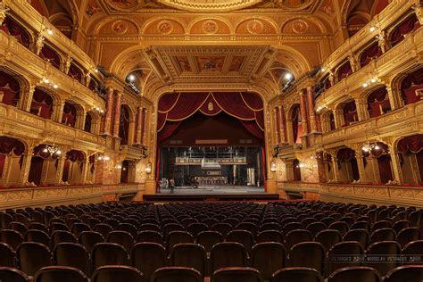 budapest opera house dec 25 christmas day activities in budapest budapest christmas
