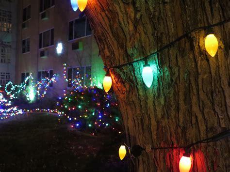 where to enjoy badass holiday lights around denver 303
