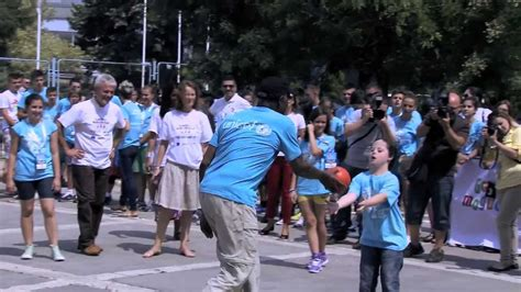 danny glover disability danny glover and edin dzeko play ball for children with