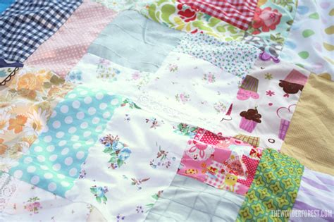 Easy Patchwork Blanket - easy diy patchwork picnic or blanket from fabric