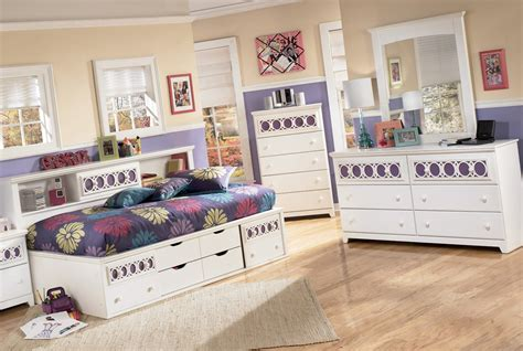 zayley bedroom set zayley bookcase bedroom set from ashley b131 85 51 82