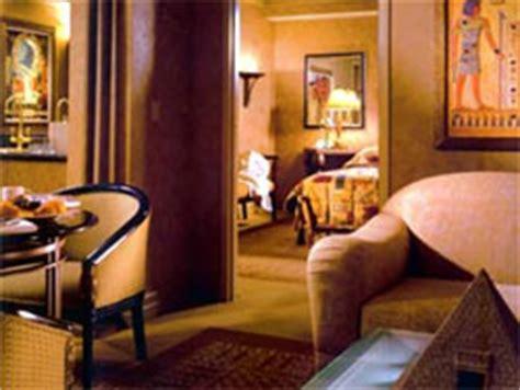 one bedroom luxury suite luxor luxor hotel life in las vegas