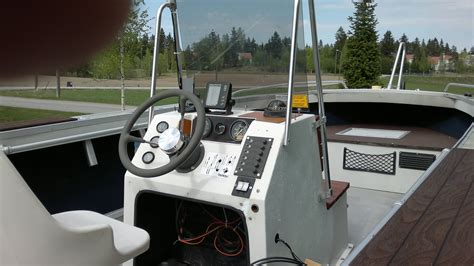 starcraft boats center console want to buy 1989 or older starcraft mr21 center console