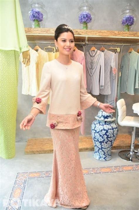 Baju Fashion Pakaian Wanita Wings Top 308 best images about baju kurung moden kebaya on fashion search and peplum