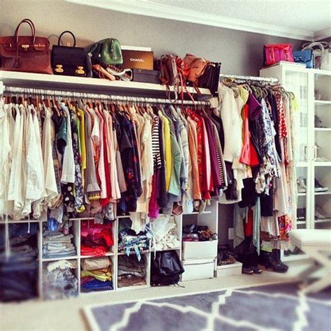 Organize Wardrobe by De Todo Un Poco Organize A Closet Everyone Even