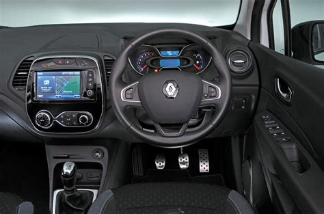 Car Body Styles #15: Renault-captur-dashboard_0.jpg?itok=bylNG8p0
