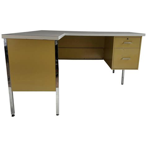 metal desk l classic mid century metal l shape desk made by designcraft at 1stdibs