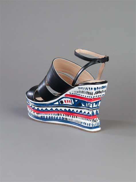 sandal teplek cewek motif 01 lyst opening ceremony pattern wedge sandal in black