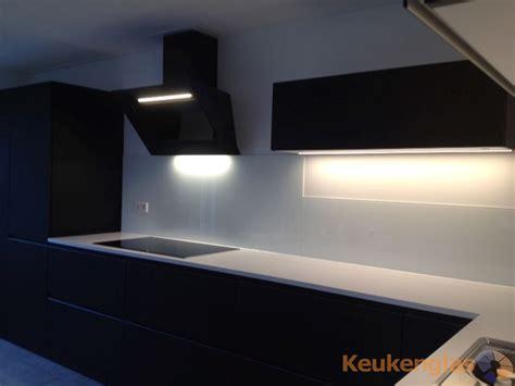 achterwand keuken led glazen achterwand keuken met led