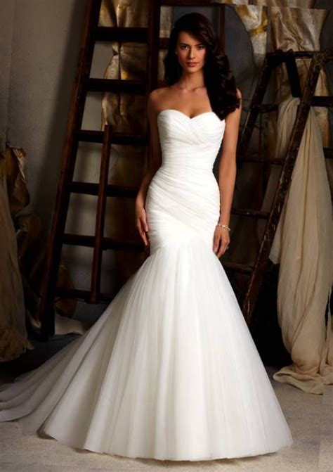 wedding dress  curvy petite figure wedding dress