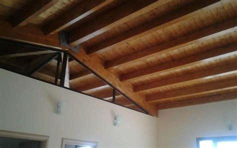 soffitto in legno lamellare soffitto con travi lamellari with soffitto in legno lamellare