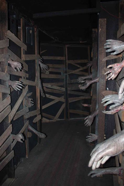 how to make a haunted maze in your backyard great idea for haunted house diy halloween projects