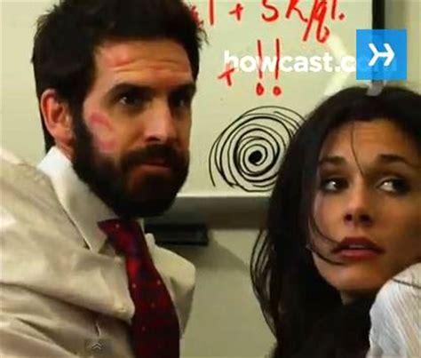 l amour au bureau comment faire l amour au travail sans se faire choper