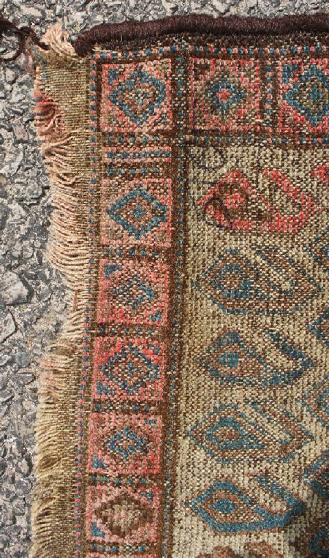 small throw rugs two small throw rugs