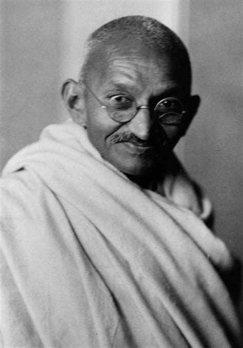 biodata of gandhi in hindi gandhi jayanti 2015 top 10 quotes by india s father of