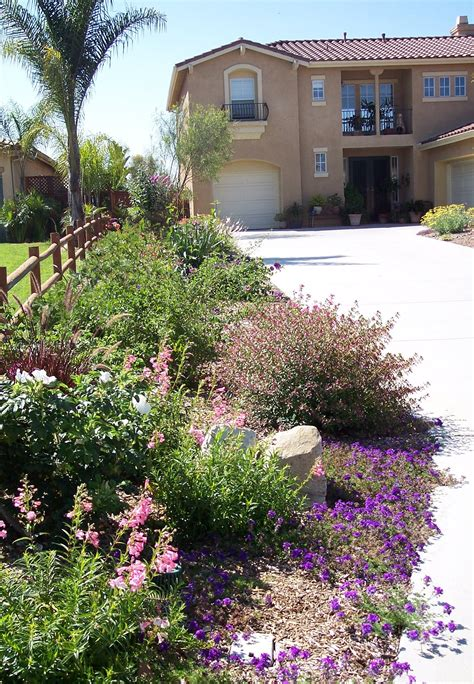Olive Garden San Marcos by Feminine Front Yard Landscaping Ideas Tropical For