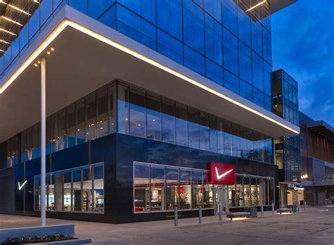 Verizon Wireless Corporate Office by Mca Communications