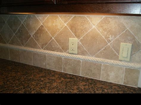 kitchen backsplash travertine tile best 25 travertine backsplash ideas on brick