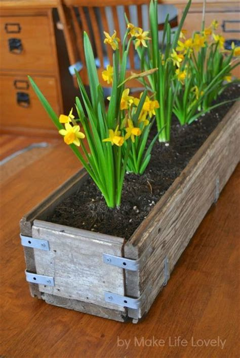 Diy Wood Planter Box by Etc Etc Diy Rustic Wooden Planter Box