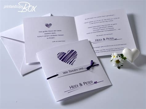 Hochzeitseinladung Herz by Hochzeitseinladung Mit Einem Herz In Lila Angesagte