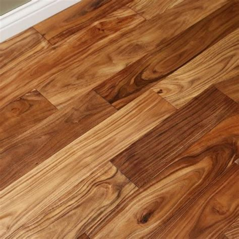 Acacia Natural 9/16 x 4 3/4 Smooth Small Leaf   Engineered