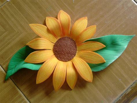 como hacer calas en papel crepe como hacer girasoles 5 flores girasol en papel crepe