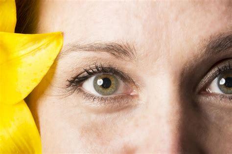 colore degli occhi diversi eterocromia centrale due diversi colori degli occhi
