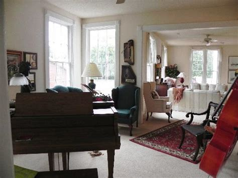 great house music music room picture of great house galesburg tripadvisor